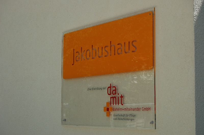schild-eingang_jakobushaus